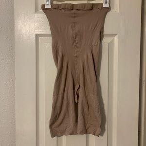 Spanx undergarments Stomach Control Size E